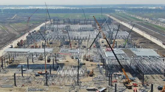 4月份,特斯拉在上海的Gigafactory3工厂正在施工